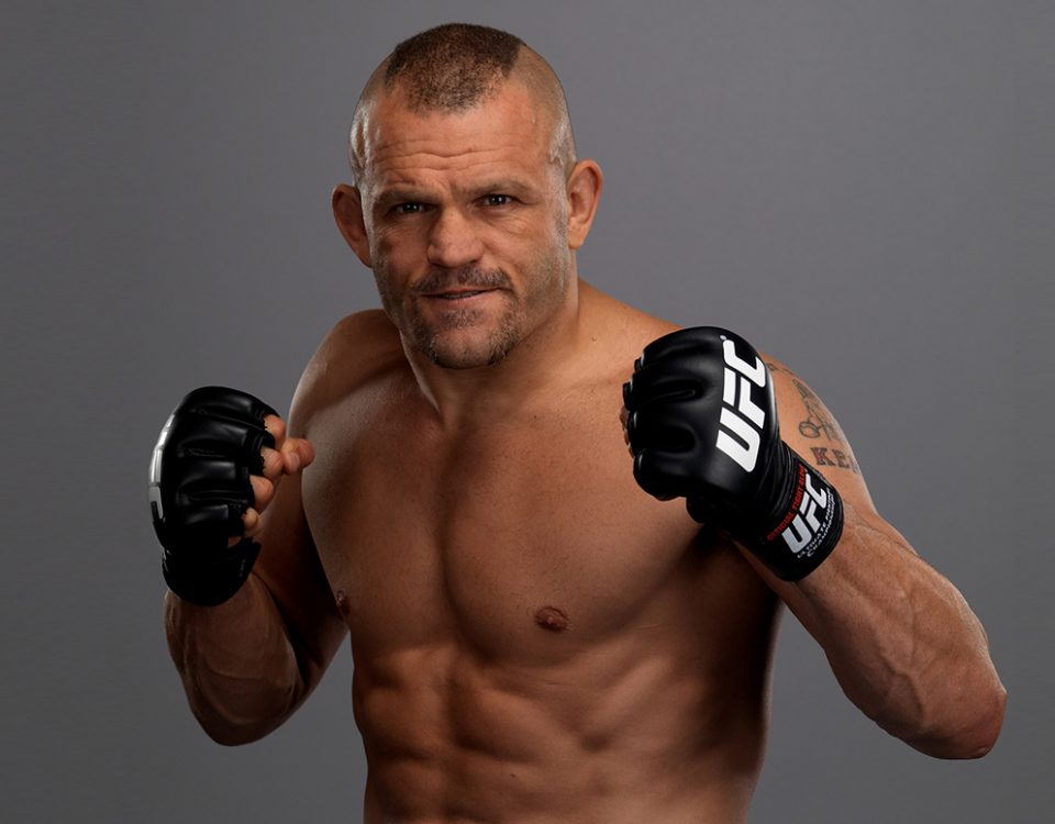 Chuck-Liddell-UFC-Light-Heavyweight-champ-03
